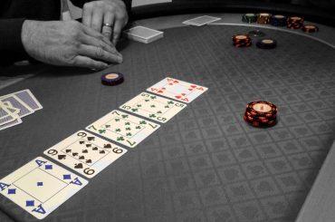 Правила раздачи карт в самых популярных видах покера