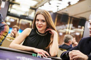 Марина Хацкевич опубликовала видео с 10-ю советами по турнирному покеру